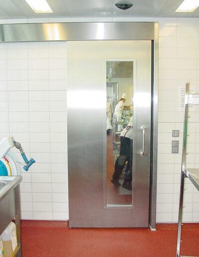 Betriebsraum-Schiebetür Typ EBS 40 für Großküchen, Kühlraumtüren, Gefrierraumtüren, Tiefkühlraumtüren, Betriebsraumtüren, Pendeltüren