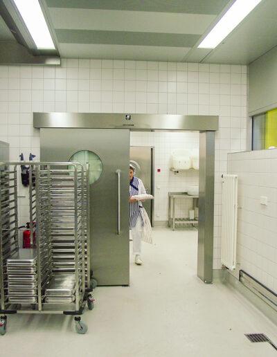 Betriebsraum-Schiebetuer EBS 40/50 fuer Lebensmittel von Ehrenfels Isoliertüren, Kühlraumtüren, Gefrierraumtüren, Tiefkühlraumtüren, Betriebsraumtüren, Pendeltüren