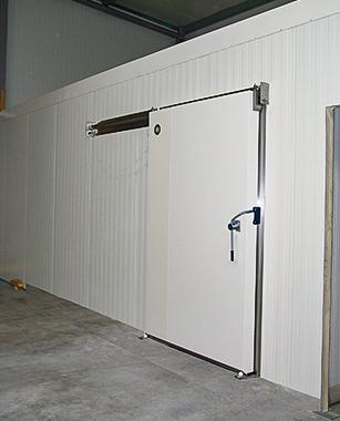 Kühlraum-Schiebetür Typ LKS 10.080 von Ehrenfels Isoliertüren, Kühlraumtüren, Gefrierraumtüren, Tiefkühlraumtüren, Betriebsraumtüren, Pendeltüren